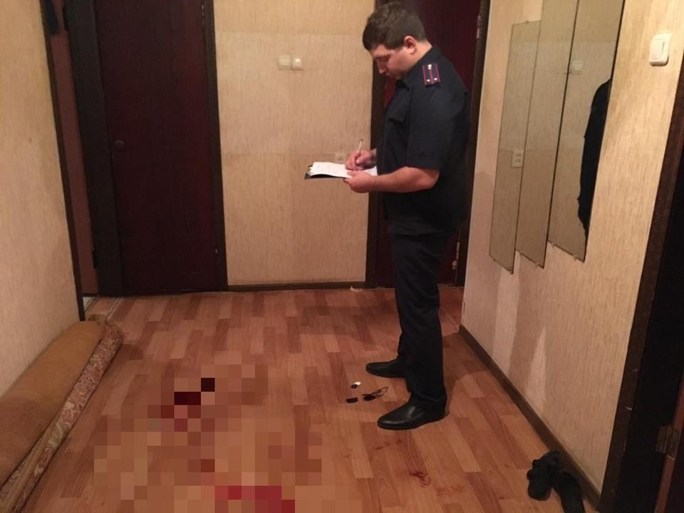 Тело мужчины было найдено в коридоре