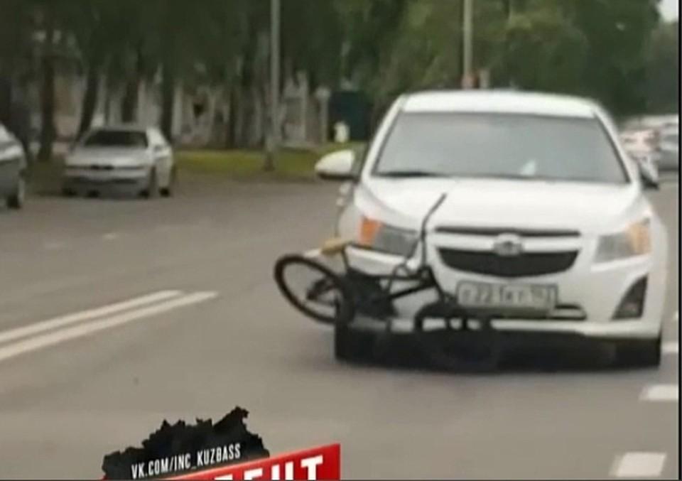 В Кемерове девушка на иномарке сбила девятилетнего велосипедиста. Фото: ВКонтакте/inc_kuzbass.