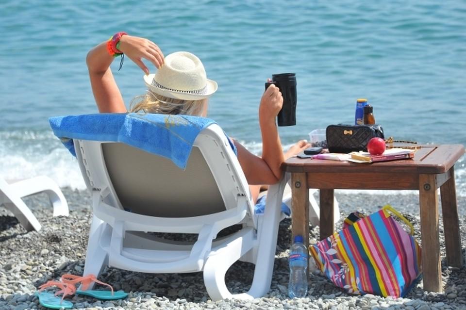 Специалисты объяснили, почему нельзя на солнце пить холодную воду и алкоголь