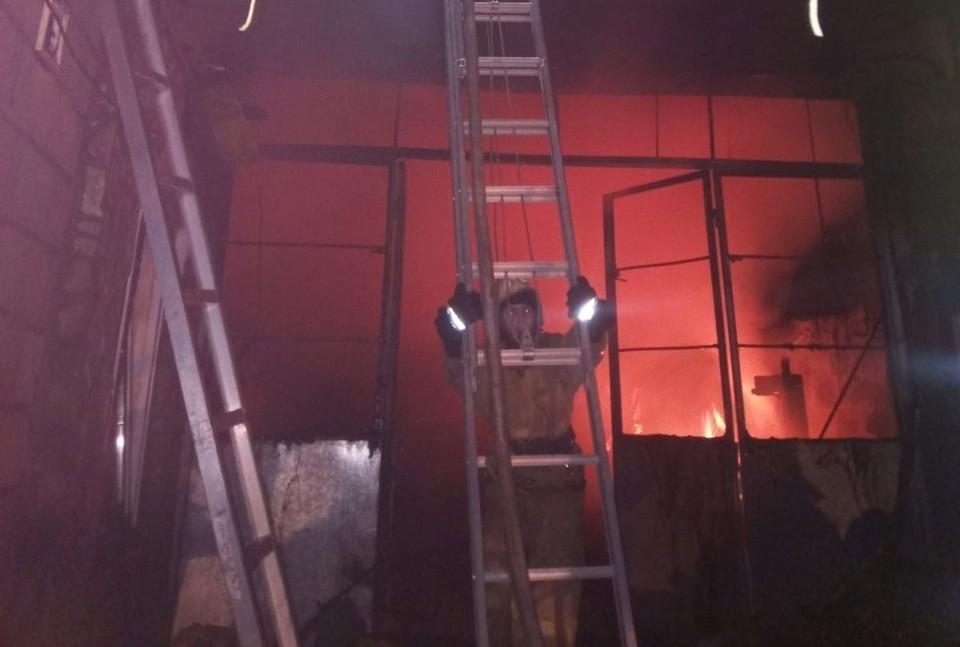 Пламя удалось потушить, пострадавших нет. Фото: пресс-служба ГУ МЧС по РК