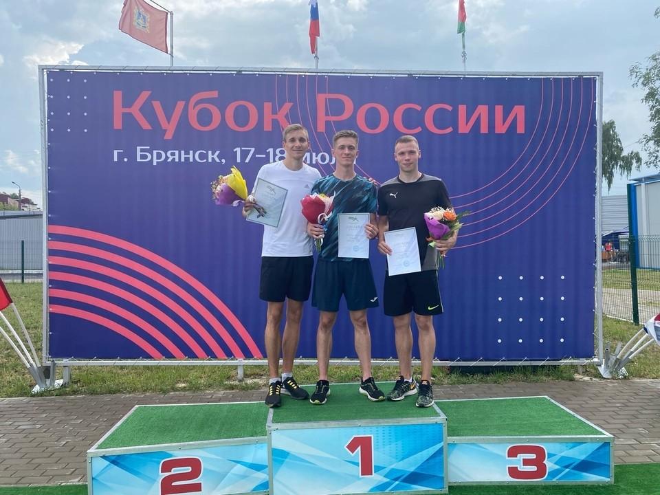 Одним из триумфаторов Кубка России стал воронежский спринтер Владислав Доронин (в центре).