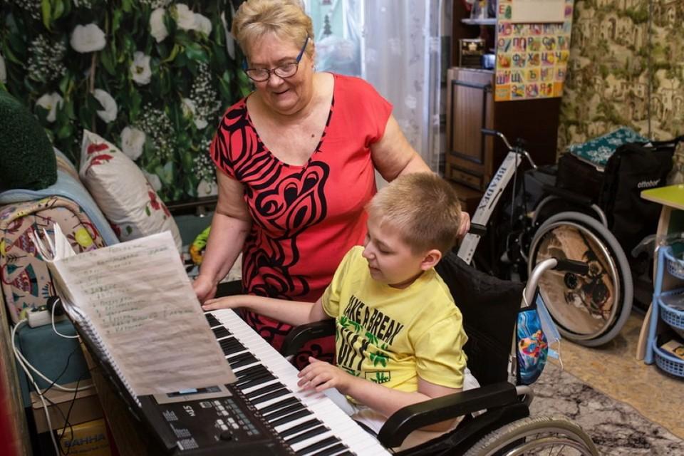 Чтобы выжить, Лене нужна операция за миллион рублей. Фото: Русфонд