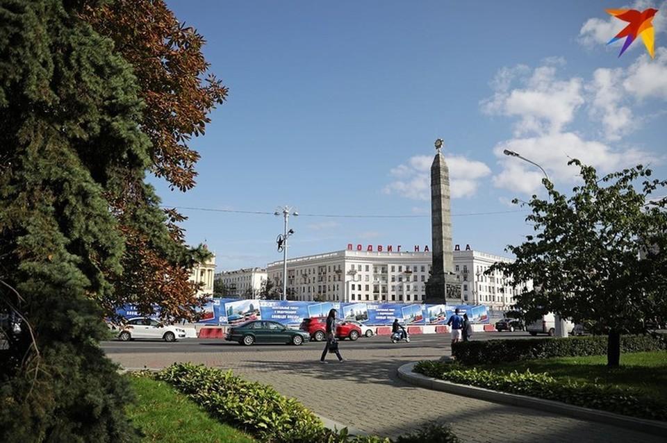 Стали известны сроки, которые получила молодежь, хулиганившая на площади Побелы в Минске.