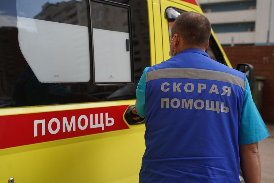 Под Новосибирском погиб парень на мопеде.