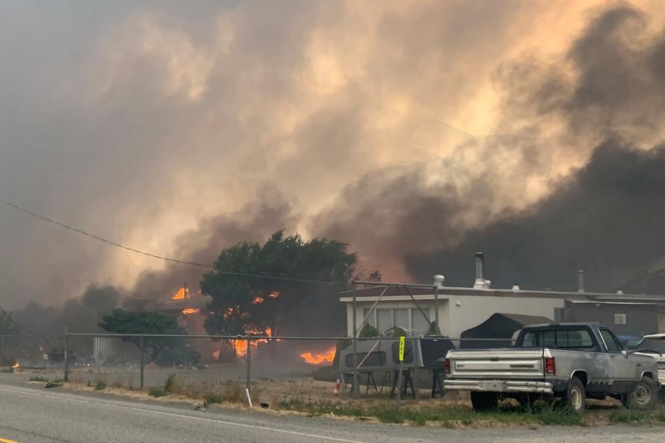 Режим ЧС из-за лесных пожаров введен на западе Канады