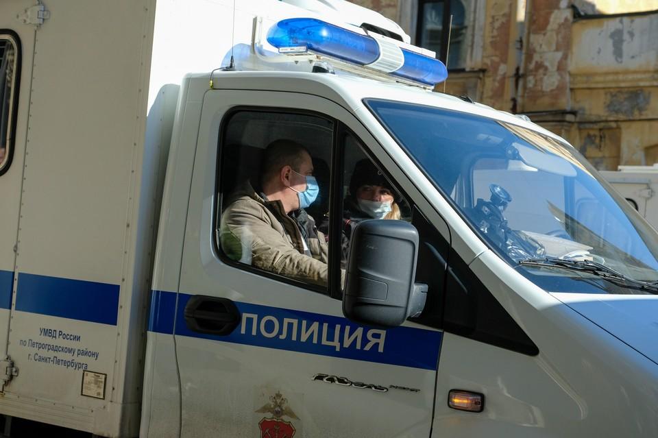 Петербурженка напала на женщину-полицейского, защищавшего ребенка от избиения