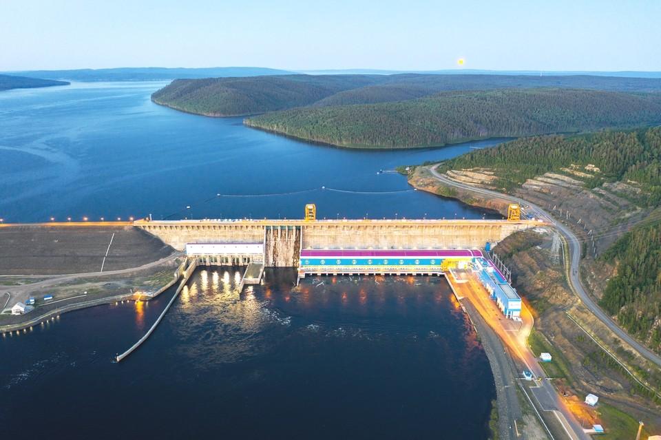 Богучанская ГЭС произвела 10 млрд кВт.ч с начала 2021 года. Фото: БоГЭС