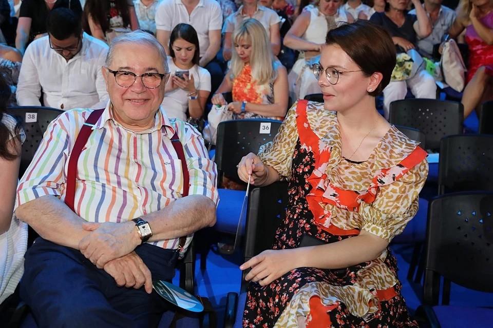 Петросян и Брухунова поженились в декабре 2019 года, уже перед самым рождением наследника.