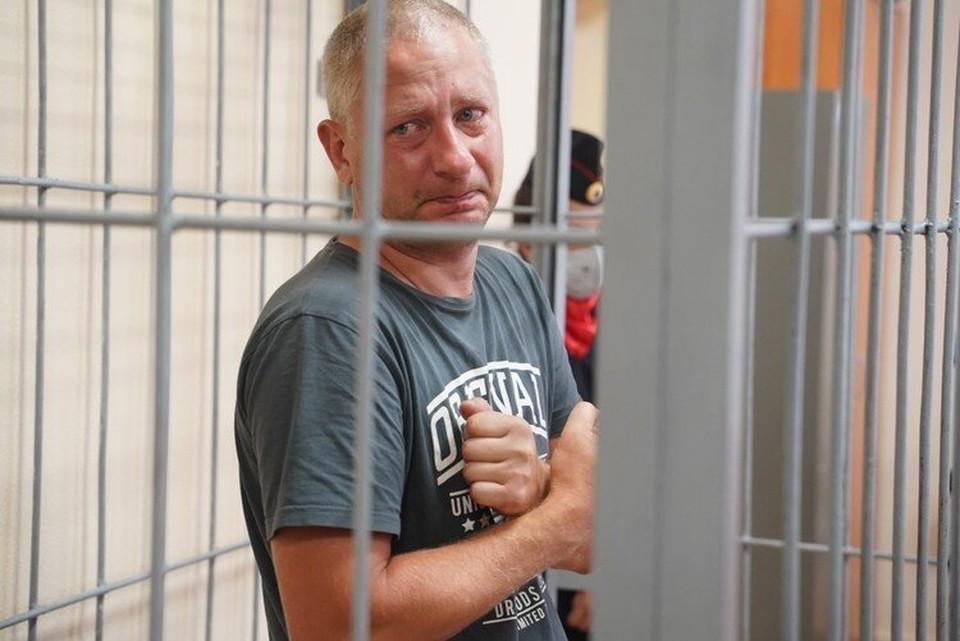 На суде Антон Безчетвертев плакал, глядя на свою жену
