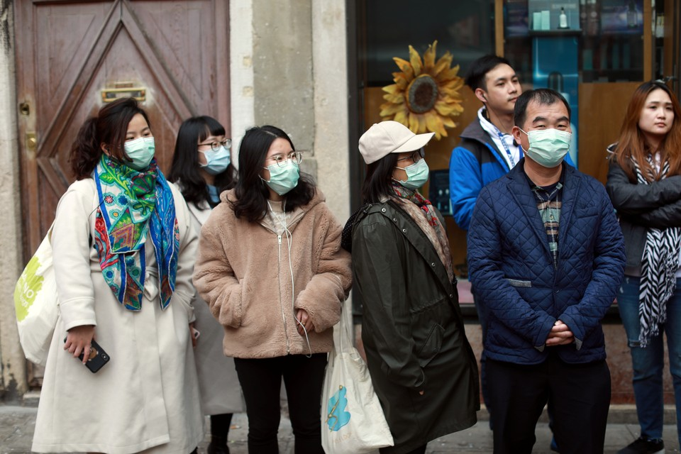 Передвижение по Китаю вновь ограничено из-за новой волны коронавируса