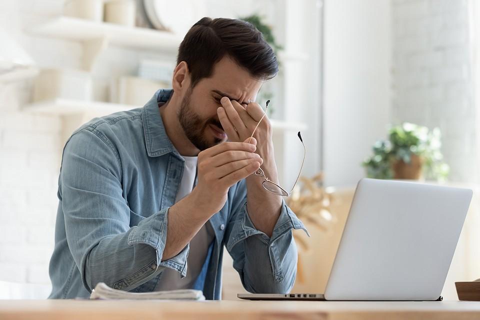 Синдромы компьютерного зрения и смартфонного пальца: как гаджеты калечат нас