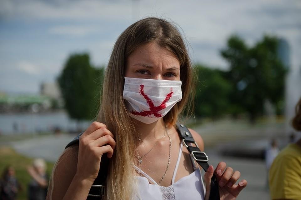 Противостоять угрозе можно только соблюдением мер против COVID-19 и вакцинацией населения
