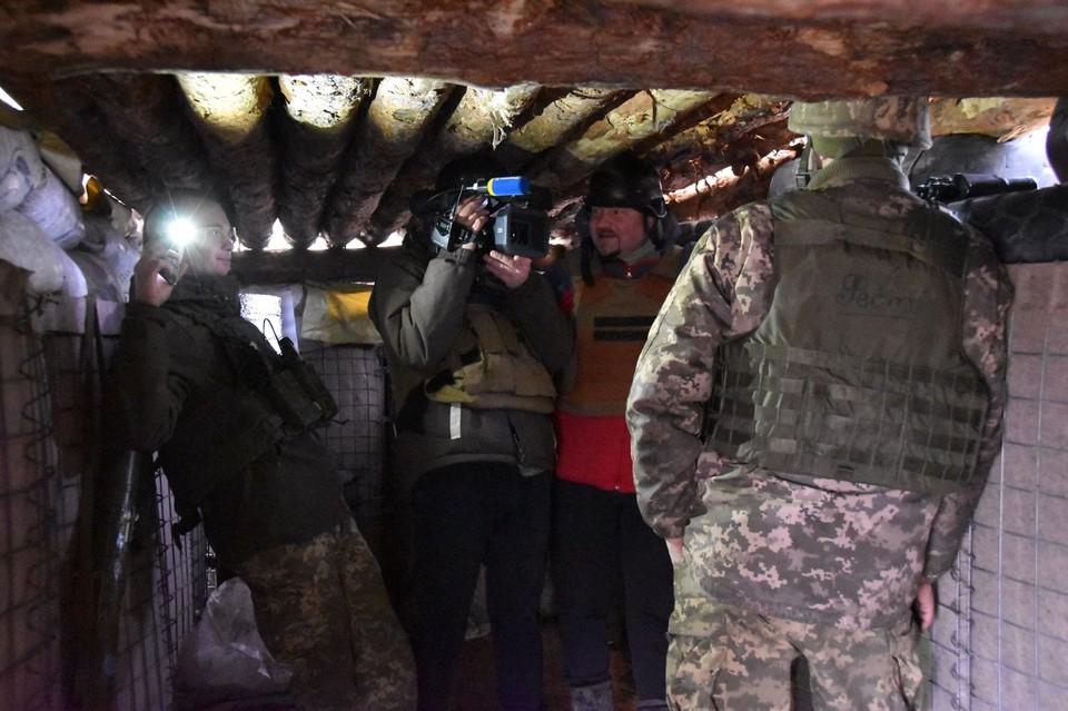 В блиндаже хранились боеприпасы и военное имущество. Фото: штаб ООС