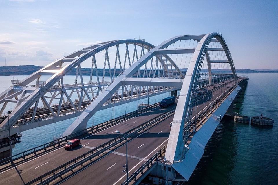 """По Крымскому мосту этим летом проехало рекордное количество автомобилей. Фото: пресс-служба Упрдор """"Тамань"""""""
