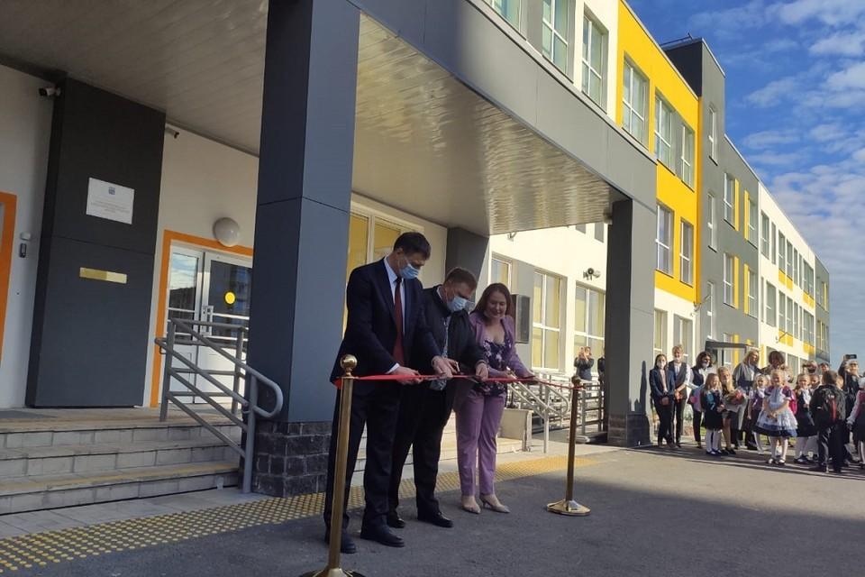 Школа на 550 мест открылась в Новогорелово. Фото: Пресс-служба Ломоносовского района ЛО.