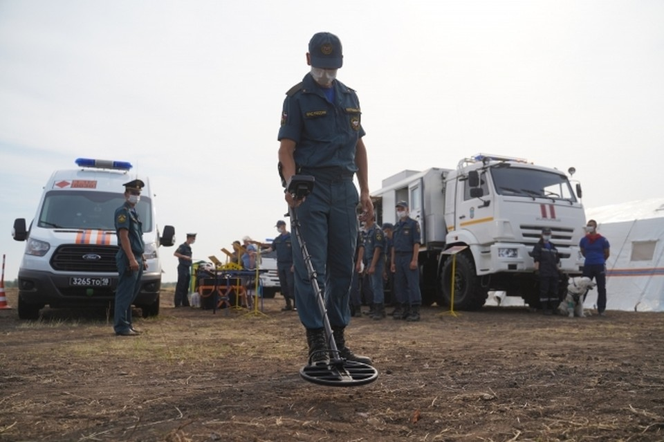 Правоохранители и саперы оперативно прибыли на место происшествия