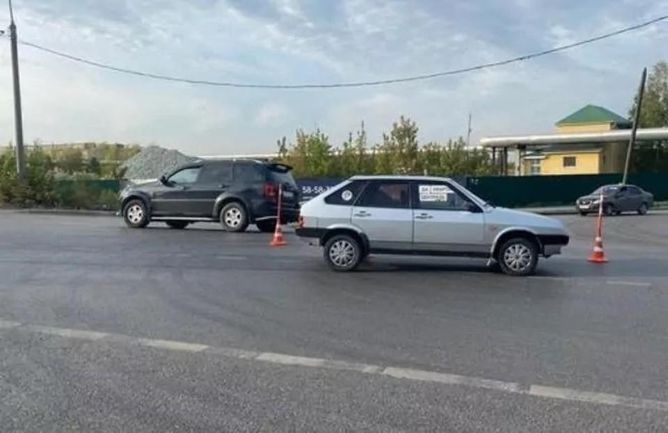 На Елизарова в Тюмени автомобиль сбил второклассницу на глазах у родителей