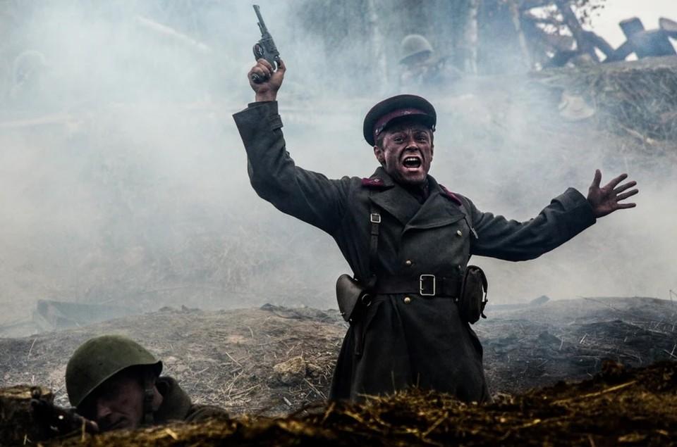 """Кадр из фильма """"Подольские курсанты""""."""