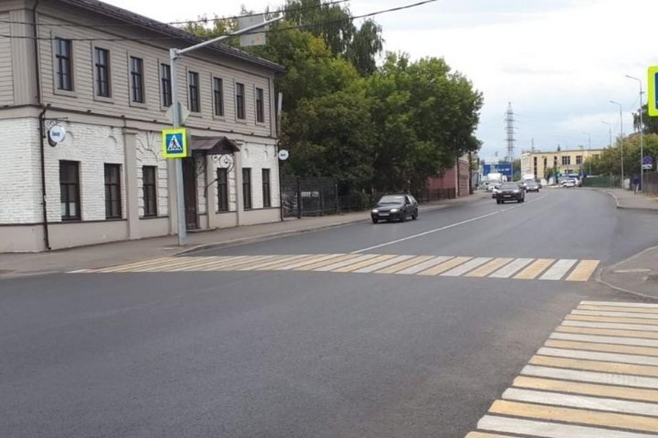 Проезжая часть на улице Гладилова обновлена полностью, а на улице Поперечно-Базарная – до Краснококшайской. Фото: пресс-служба Миндортранса Татарстана