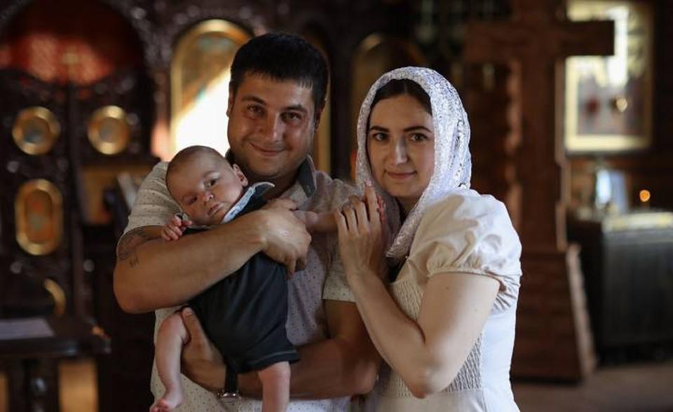 Родителя Тимурку просто обожают. Фото: из архива семьи