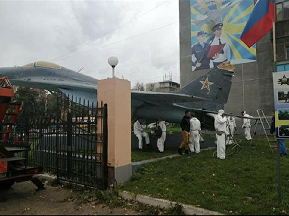 МиГ-29 в бывшем городке ИВВАИУ Иркутска отреставрируют.
