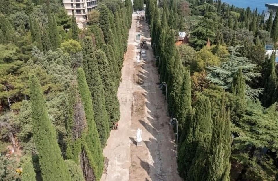 Сейчас проект корректируется из-за повышения стоимости гранитной плитки. Контракт на проектирование третьего этапа благоустройства Симеизского парка заключен в Ялте. Фото: пресс-служба администрации Ялты