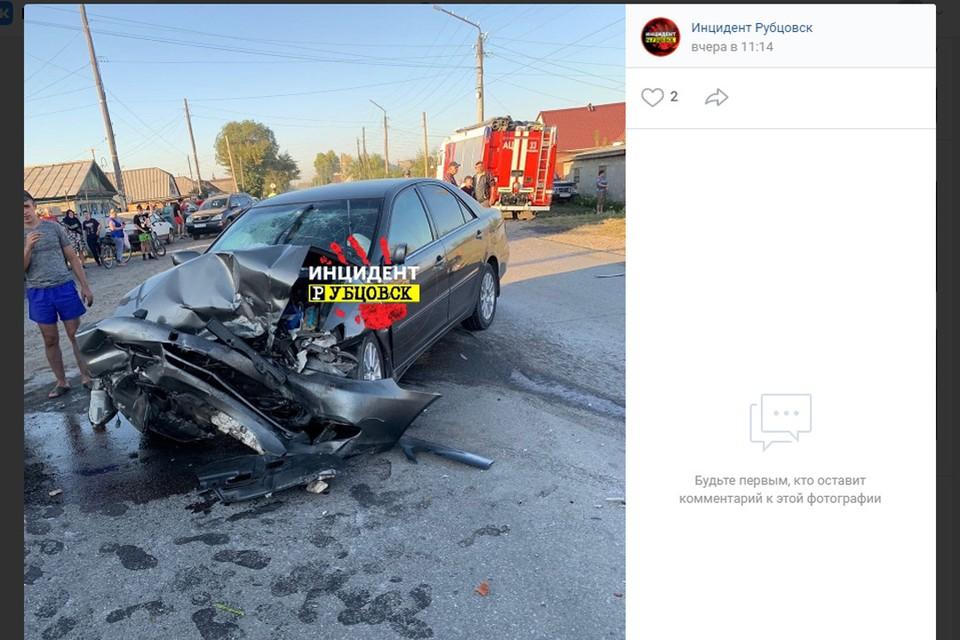 """ДТП в Рубцовске (фото: скриншот страницы """"Инцидент Рубцовск"""" во """"Вконтакте"""")"""