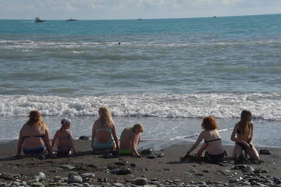 Из-за сильного ветра в Анапе запретили плавать на катамаранах и надувных матрасах