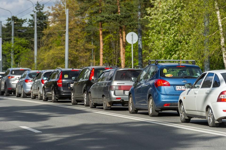 Семибалльные пробки сковали Петербург утром 7 сентября