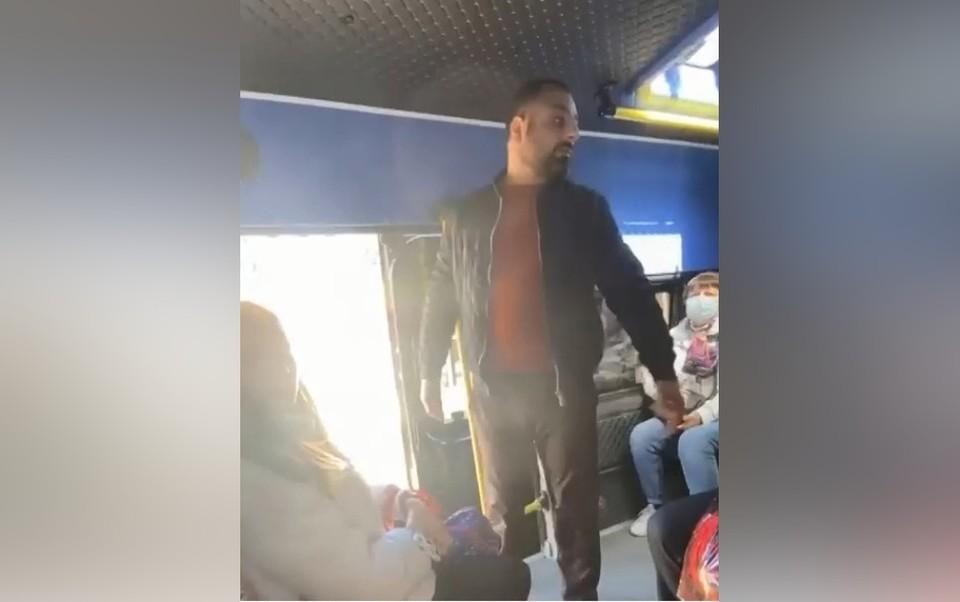 """Конфликт произошел утром 7 августа в маршрутном такси №64 Фото и видео группы """"Тула Жесть"""""""