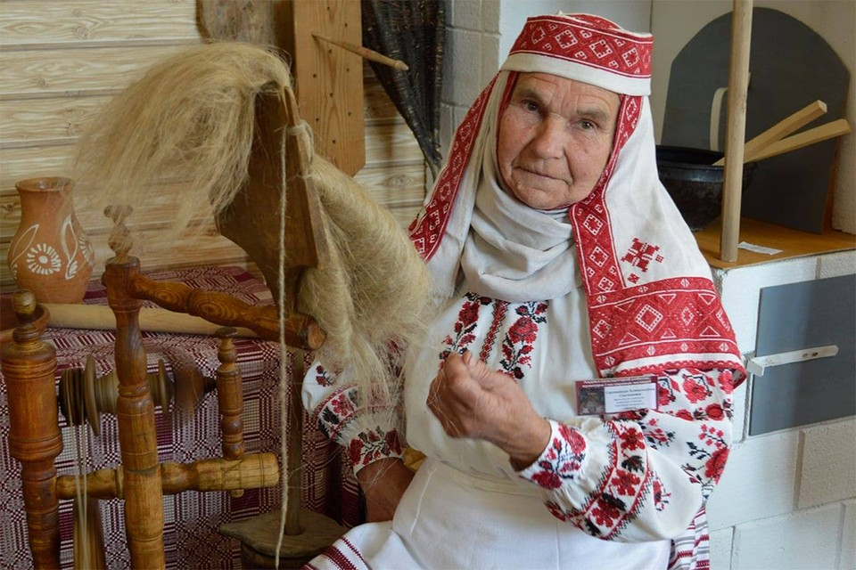 В доме знаменитой ткачихи из-под Малориты произошел пожар, она чудом спаслась. Фото: Facebook