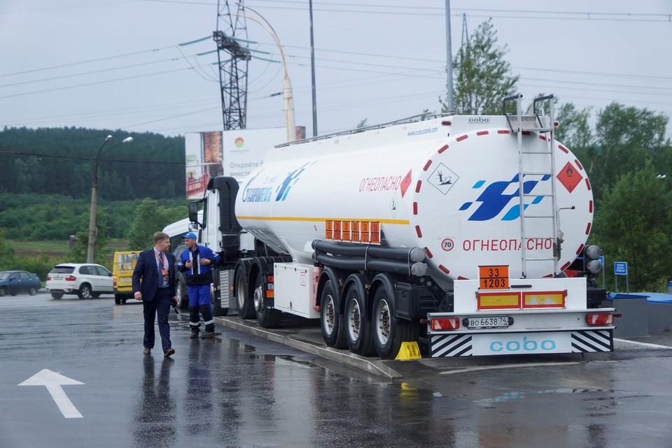 Региональное правительство совместно с Газпромом намерены запустить производство разных видов бензина
