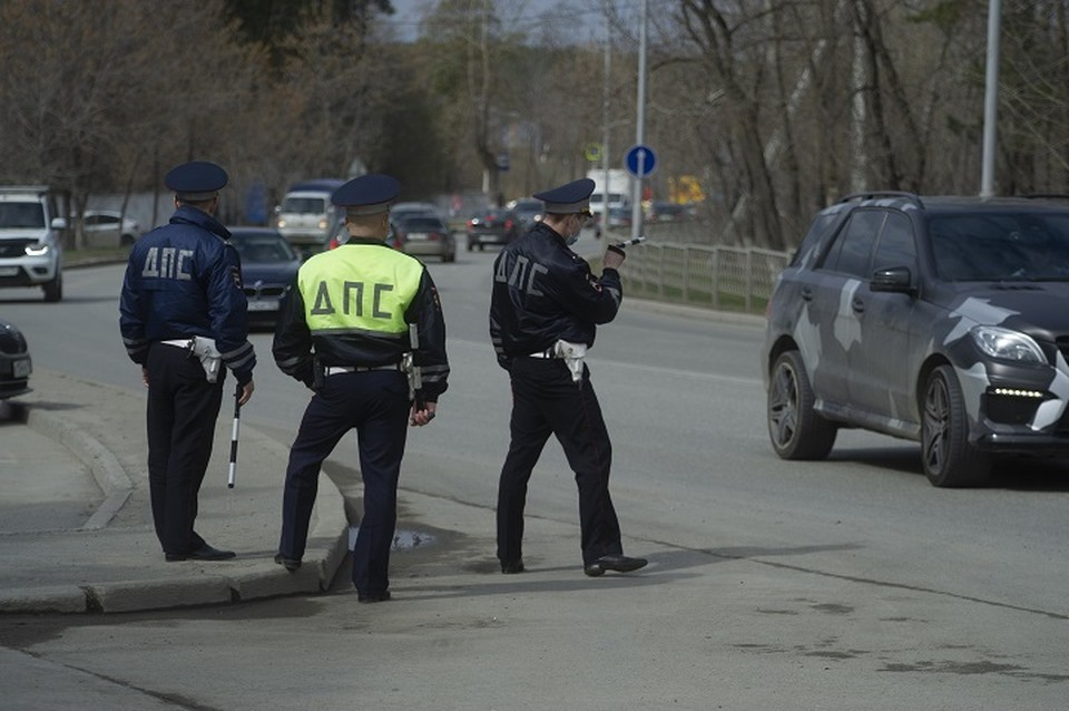 Инспектор ДПС сам оплатил штрафы невиновного местного жителя