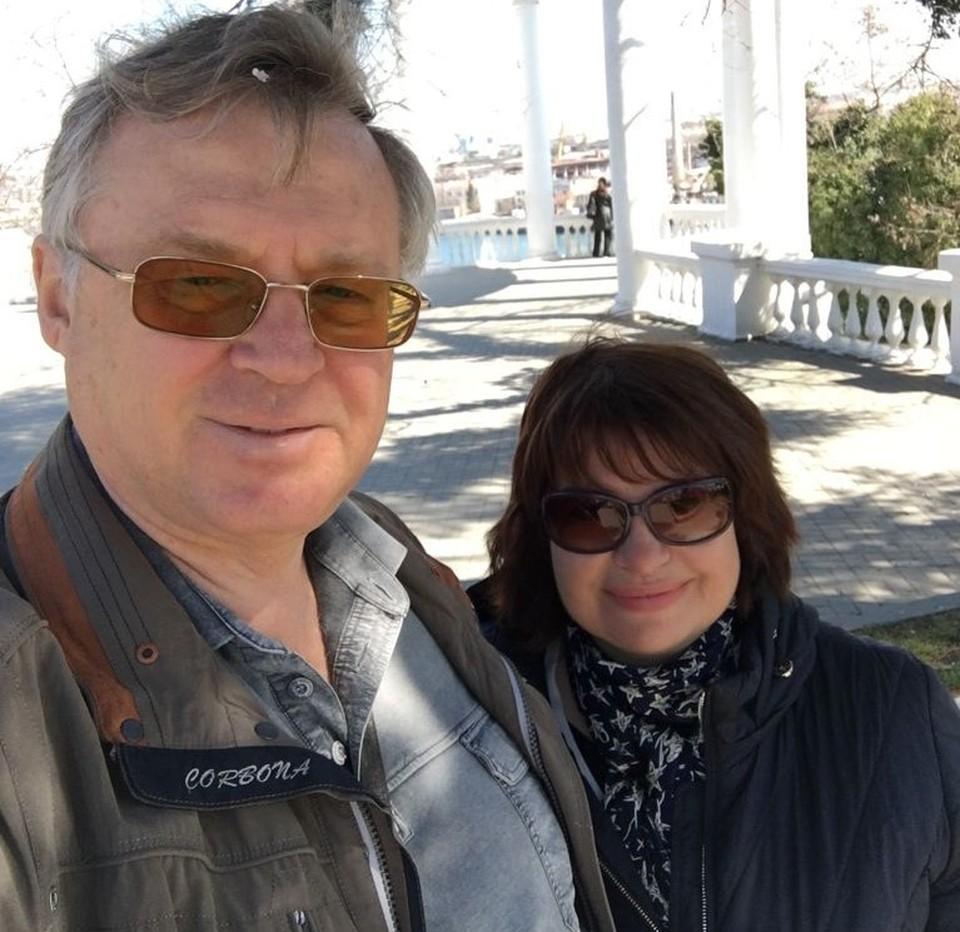 Ирина и Игорь Новоселецкие каждый день совершают прогулку к морю. Восстанавливаются после коронавируса