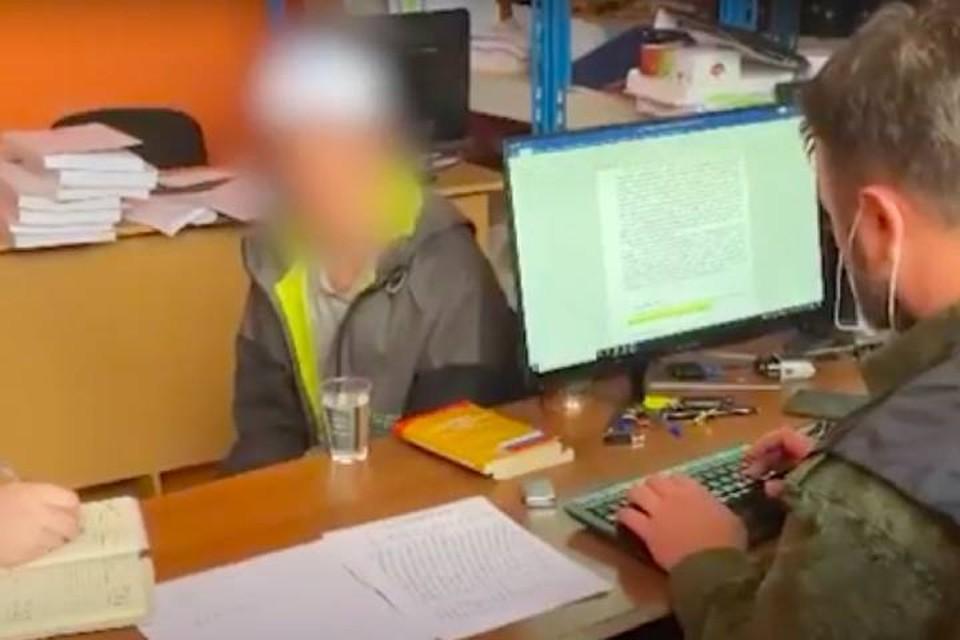 СК показал видео допроса петербуржца, заманившего домой 10-летнюю девочку