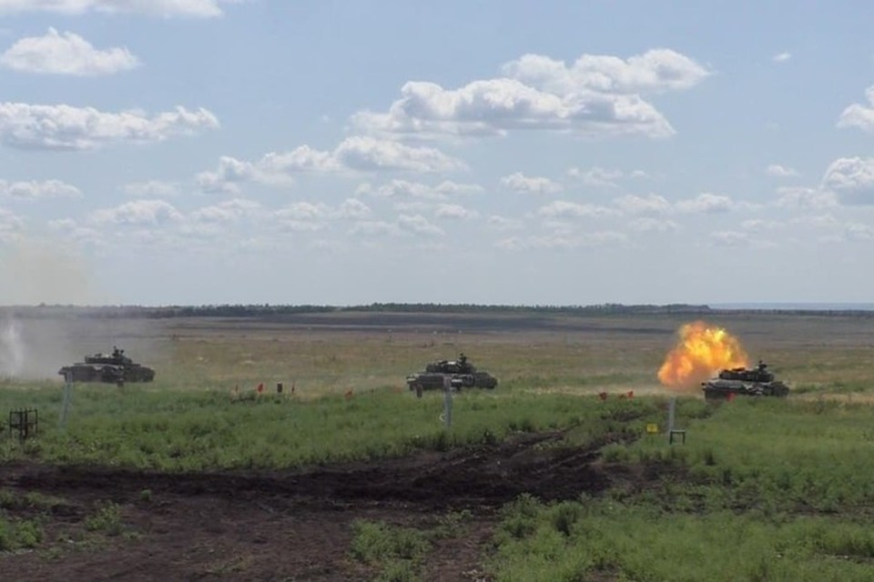 Танкисты продолжают совершенствовать свои умения и навыки в действиях при вооружении. Фото: НМ ДНР
