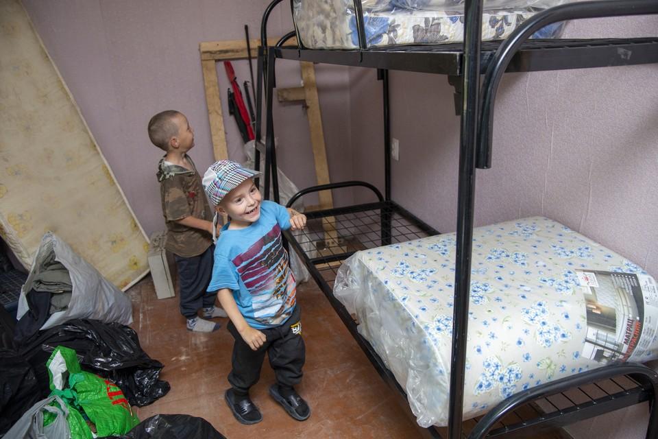 """С покупкой мебели и бытовой техники в новую квартиру семье тоже помог благотворительный фонд. Фото: БФ """"Константа"""""""