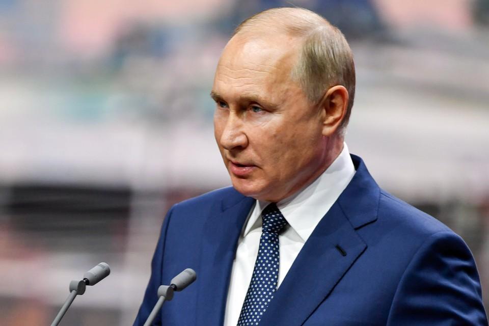 Владимир Путин наградил спортсменов, получивших на олимпиаде золотые медали. Фото: Михаил Воскресенский/POOL/ТАСС