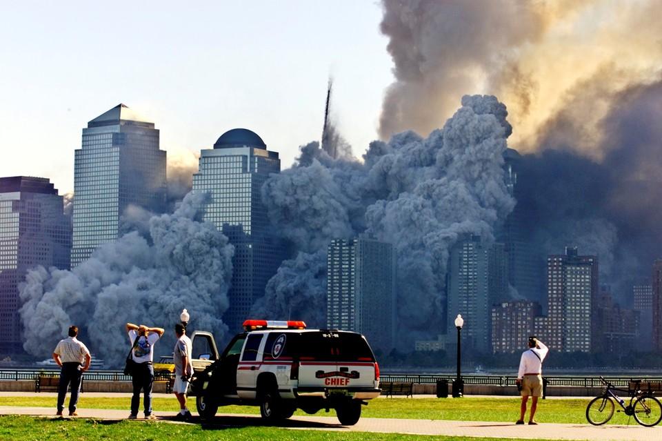После событий 9/11 члены Европарламента решили, это укрепление границ и ужесточение погранконтроля может стать эффективным способом борьбы с угрозой новых террористических атак.