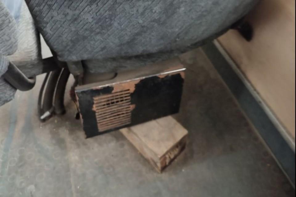 """На таких креслах сидят ярославцы в автобусах. Фото: группа ВКонтакте """"Подслушано в Ярославле"""""""
