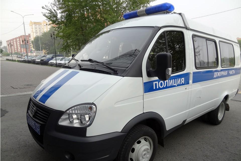 В Тюмени мужчина переломал ребра знакомому у подъезда.