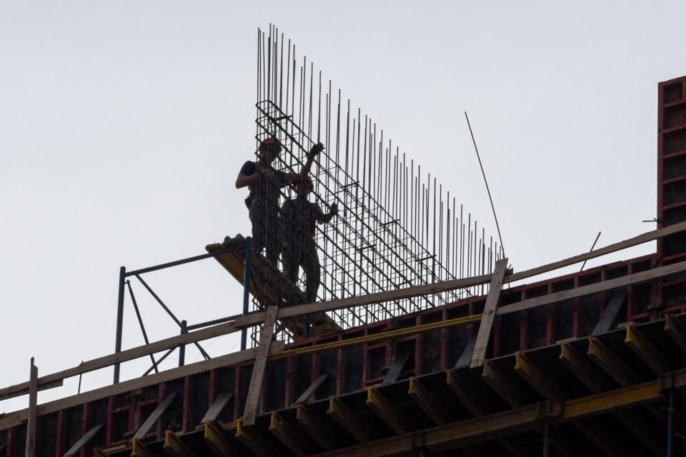 В Рязанской области обсудили перспективу проводить принудительные работы на объектах крупного застройщика.