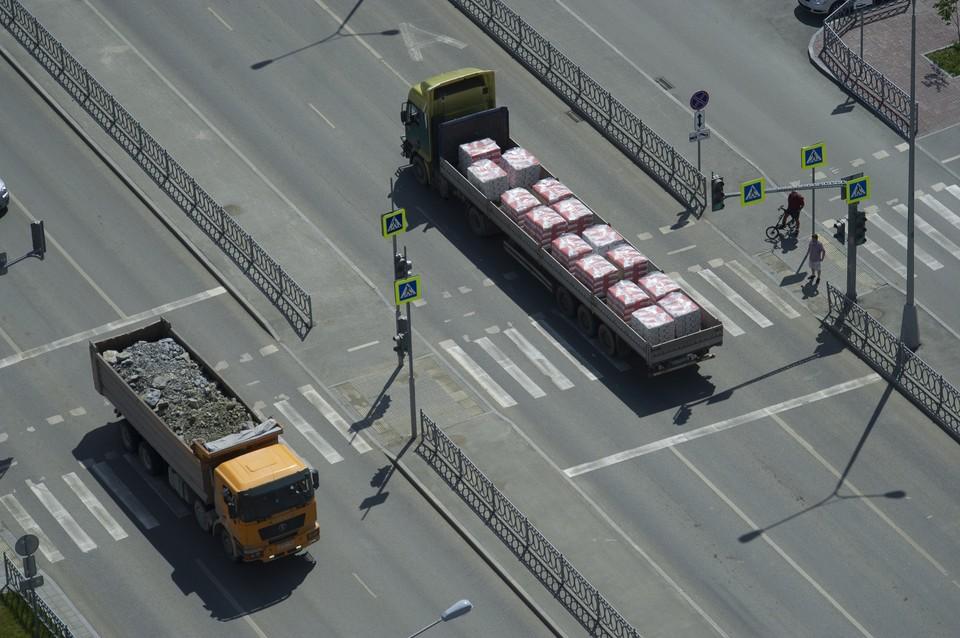 С начала года за нарушение ПДД к административной ответственности привлечено 720 водителей грузовиков