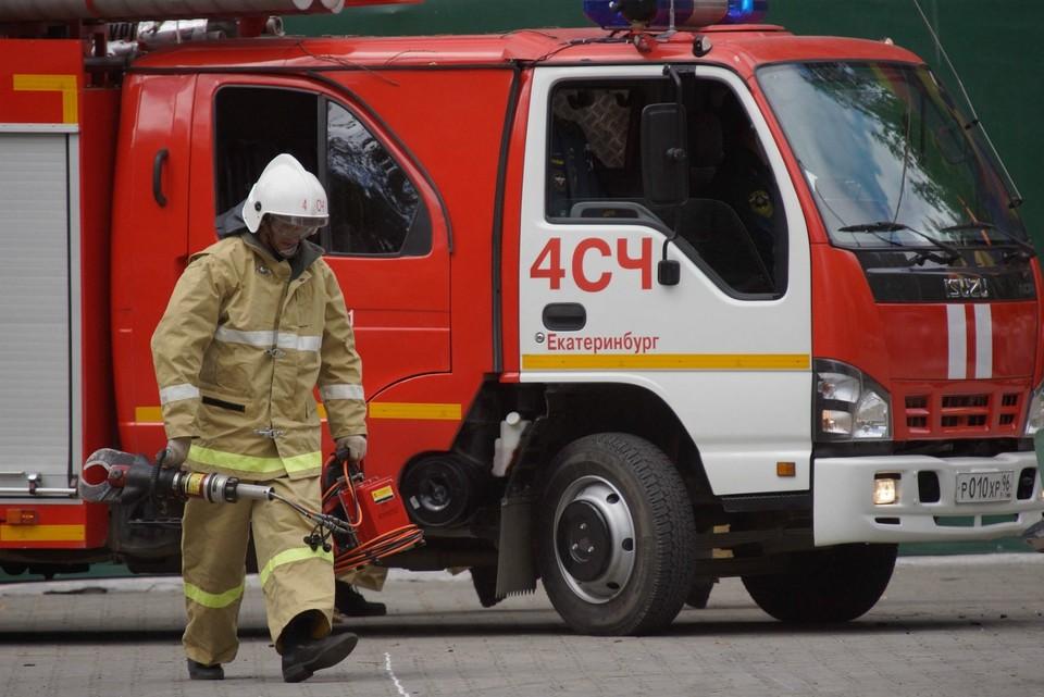 Прокуратура Белоярского района проводит доследственную проверку после гибели в пожаре трех мужчин