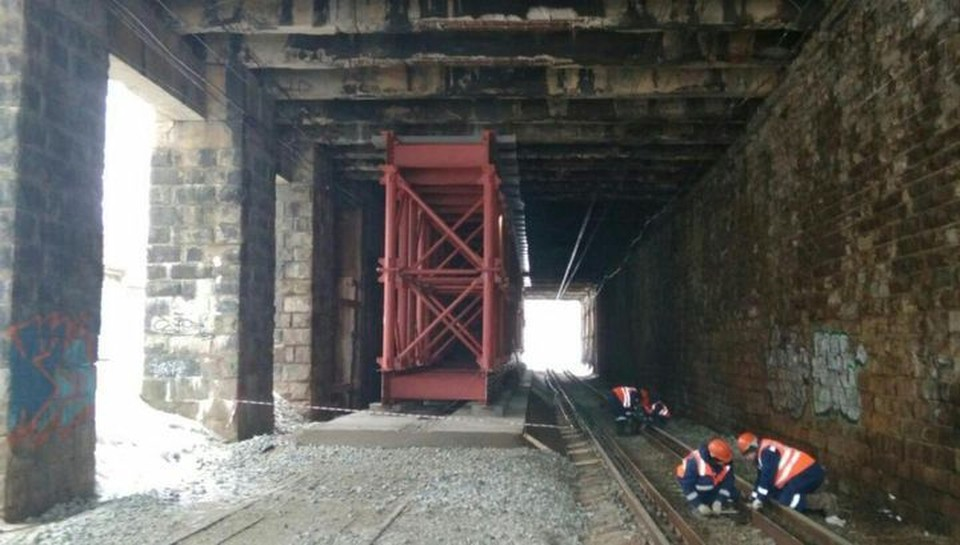 В 2020 году путепровод укрепили и объект выдерживает нагрузку в 20 тонн.