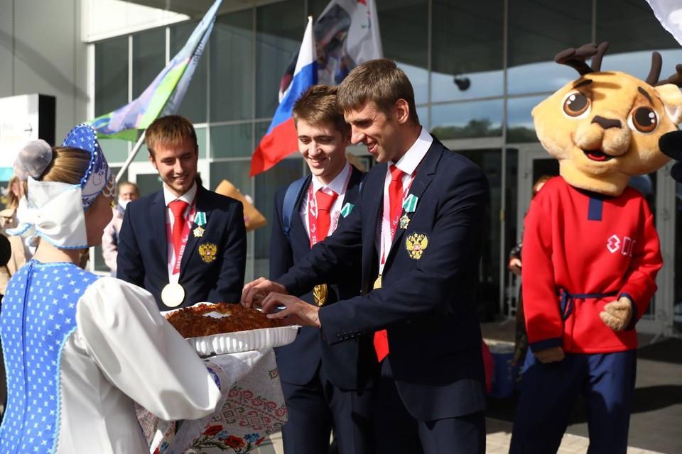 Андрей Вдовин, Дмитрий Сафронов и Даниил Смирнов были награждены государственными наградами. Фото: Кирилл Мартынов
