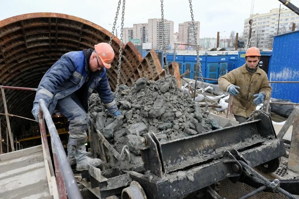 """""""Метрострой Северной столицы"""" активно закупает стройматериалы для начала работ по возведению подземки."""