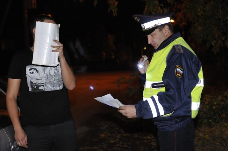 В ГИБДД поступило сообщение о том, что некий мужчина после употребления алкогольных напитков сел за руль и передвигается по улицам районного центра