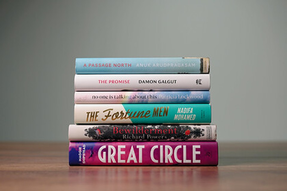 В шорт-лист Букеровской премии 2021 года вошли шесть авторов. Фото: The Booker Prizes