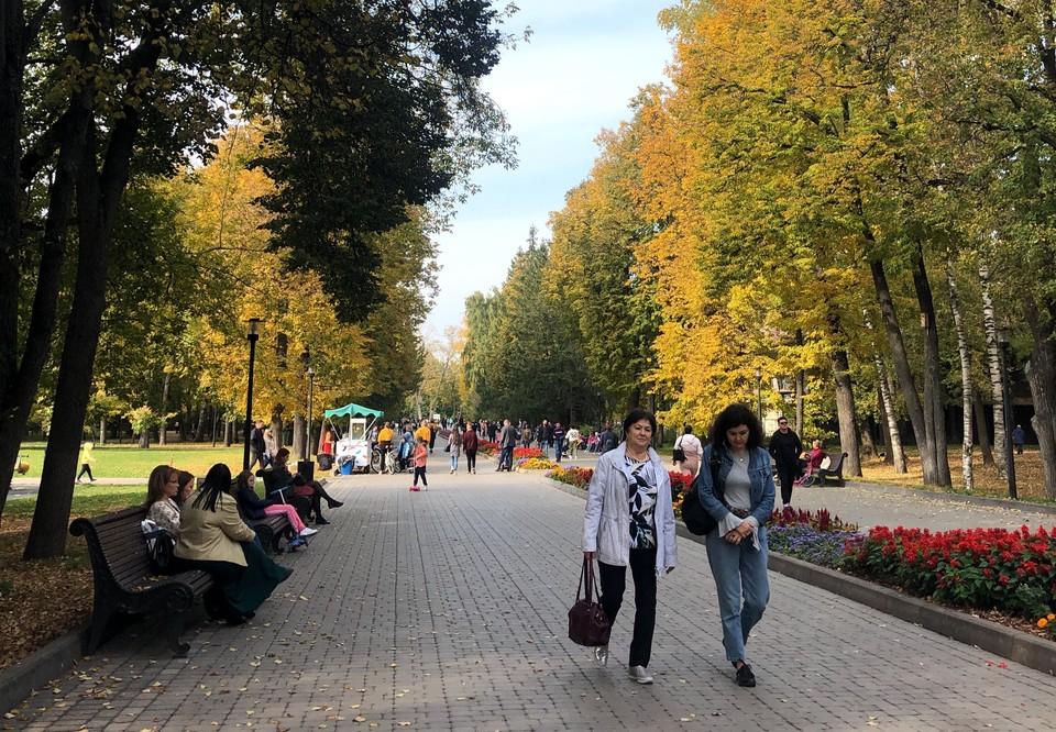 Бабье лето в Казани стоит ждать только во второй половине сентября, именно тогда установится сухая и солнечная погода.